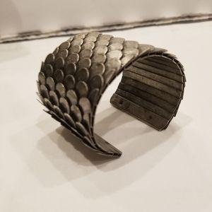 METALLIC Metal Cuff Bracelet Fish Scale Pattern